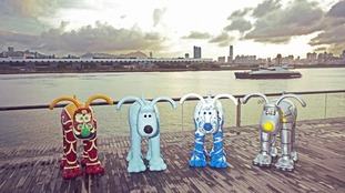 Gromit statues