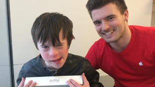 Mother of Down's syndrome child posts heartfelt letter to track down Apple employee who helped son