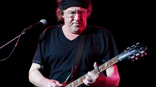 Jefferson Airplane guitarist Paul Kantner dies, aged 74