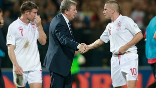 Cleverley talks to England Roy Hodgson