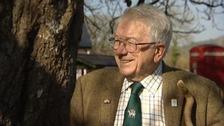 Devon radio legend Tony Beard dies