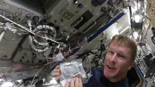 Tim Peake shows us how to cook scrambled eggs in space
