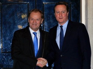 David Cameron wants the backing of European Council president Donald Tusk to curb Britain's benefits bill.