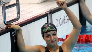 USA's Victoria Arlen celebrates winning gold in the Women's 100m Freestyl