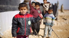 World leaders promise billions in Syrian refugee aid