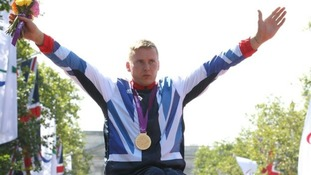 David Weir celebrates his gold me