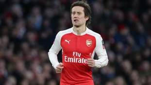 Arsenal midfielder Rosicky ruled out for three months
