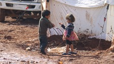 Tens of thousands of Syrian refugees set to reach Turkey