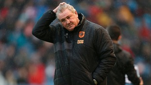 Steve Bruce vows Hull will battle on after Clarets close gap