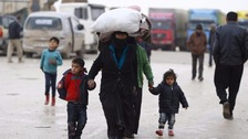 Turkey urged to let in tens of thousands of Syrian refugees