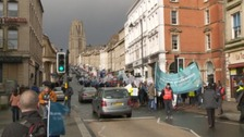 Hundreds protest against changes to junior dr contracts