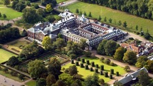 Man dies after setting himself on fire outside Kensington Palace