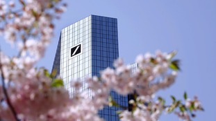 Deutsche Bank share price falls amid fears of global slowdown