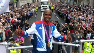 Olympic hero Mo Farrah salutes the crowd