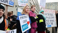 Hunt given green light to force through junior doctors' contracts