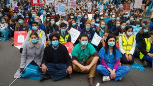 Junior doctors 'could have legal grounds to challenge new contracts'