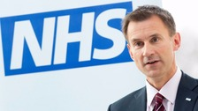 Doctor's contracts: Over 200,000 sign petition for 'vote of no confidence' in Hunt