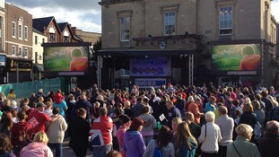 Crowds wait in Mansfield