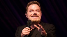 Eddie Izzard has been ordered to rest after completing four marathons in four days