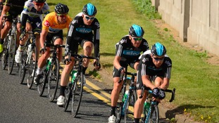 Tour of Britain passes Blithfield Reservoir in Staffordshire
