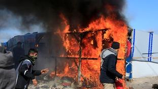 Fierce clashes as France clears Calais 'Jungle' camp