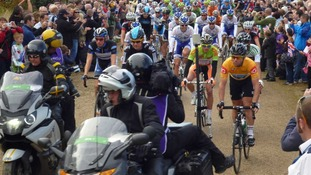 Wiggins and Cavendish at the start in Trentham Gardens
