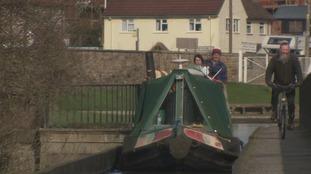 Crossing the aqueduct