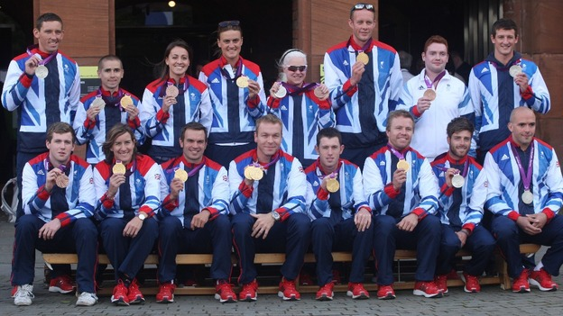Scottish Olympians and Paralympic team members pose for a group picture
