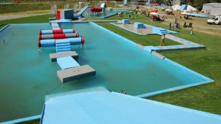Total wipeout tour: Thousands sign up to online scam
