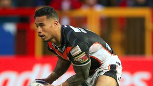 Roberts pledges future to Castleford Tigers