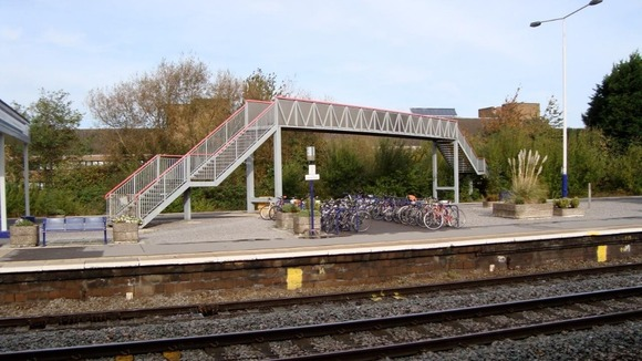 Swindon footbridge