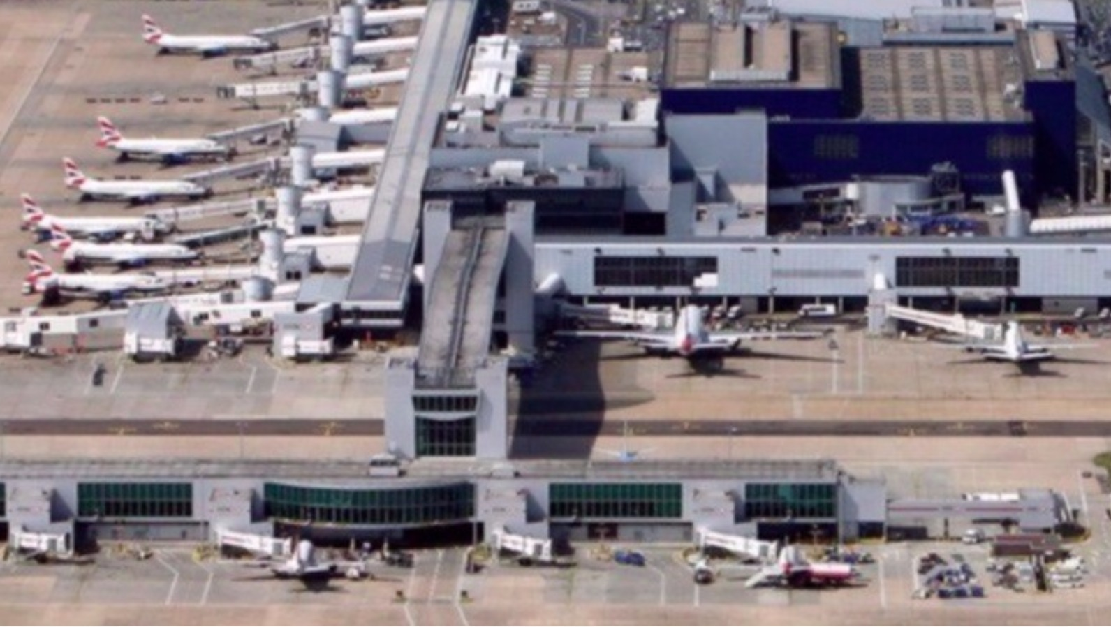 Gatwick & Southampton Airports warn of potential delays due to ...