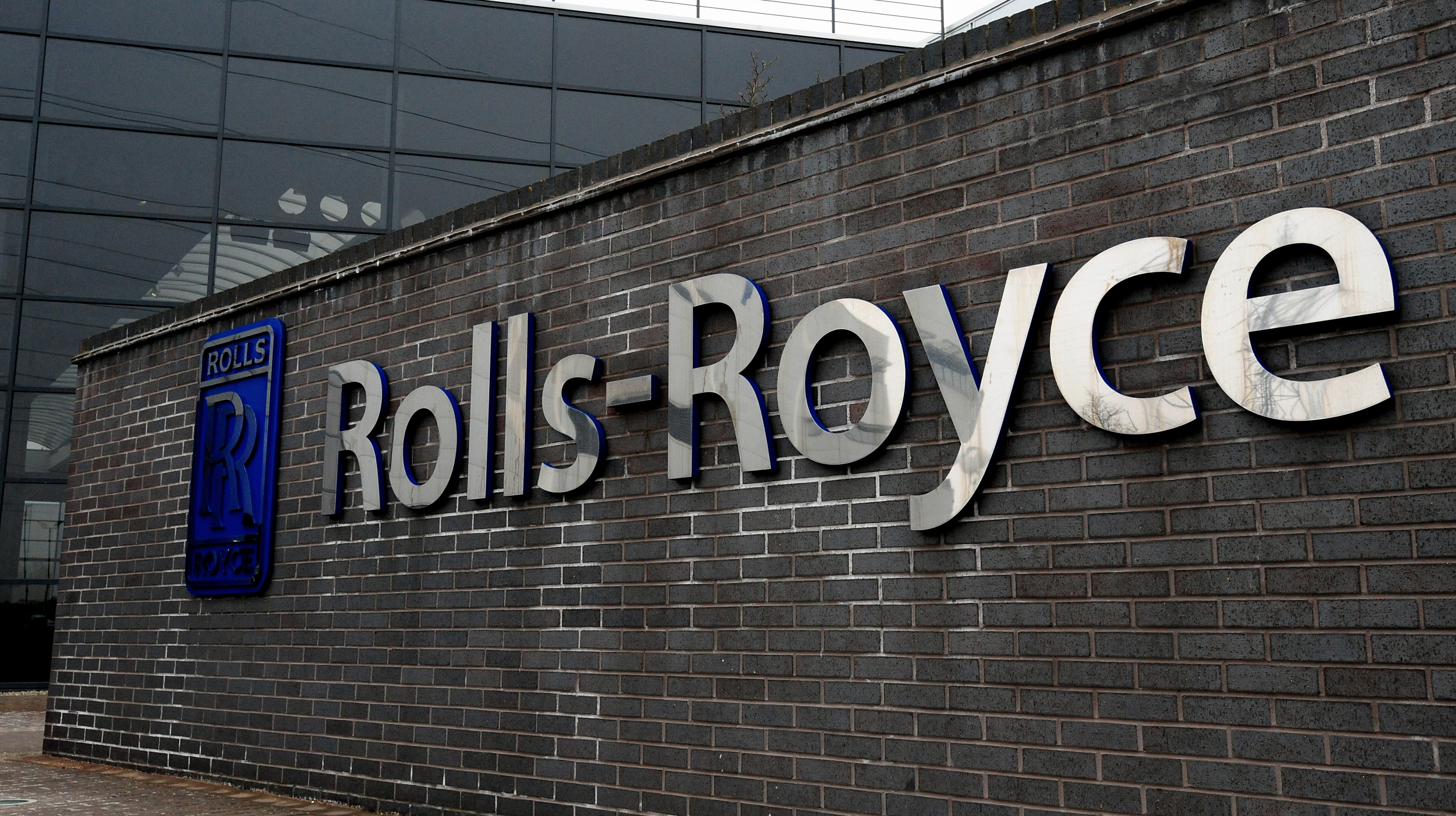 rolls royce confirms 350 new jobs in derby central itv news. Black Bedroom Furniture Sets. Home Design Ideas