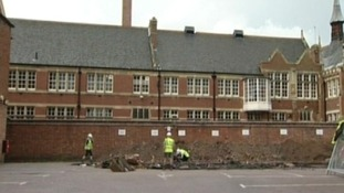 Archeologists dig in Leicester