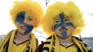 PICTURES : Wembley build up as Oxford United face Barnsley