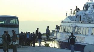 Greece starts sending migrants back to Turkey