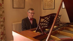 Pianist discovers footage of his father in lost film of Dunkirk evacuation