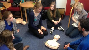 Junior doctors leave picket line to teach lifesaving skills