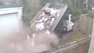 Fly-tipper  dumps three tonnes of waste while driving along a residential street
