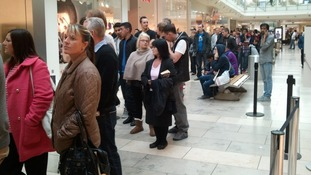 Long queues at the Metrocentre in Gateshead for the iPhone 5