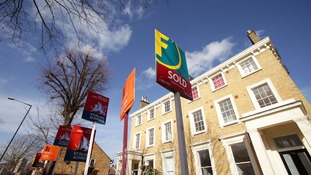 """First time buyers in London """"need to earn £106,000 a year by 2020"""""""