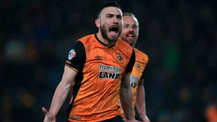 Bruce hails substitute Snodgrass after late winner keeps Hull's promotion hopes alive