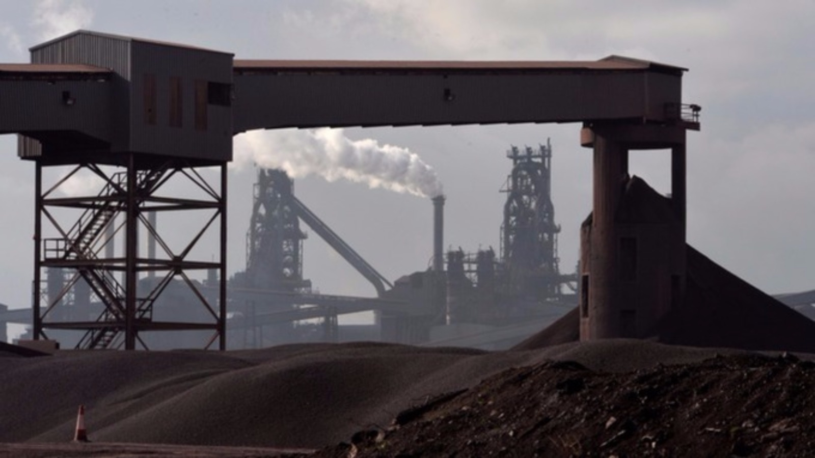Steel workers to accept pay cut as part of Tata deal