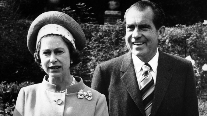 Queen Elizabeth II with US President Richard Nixon at Chequers