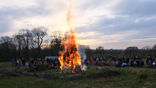 Guirlguiding Caernarfonshire beacon