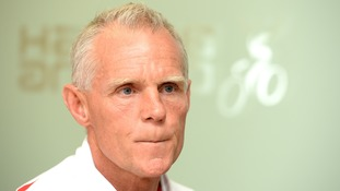 Shane Sutton suspended by British Cycling over discrimination allegations