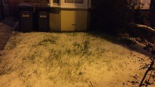Snow falls as UK prepares for 'much colder' night