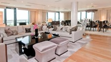 Too good to be true? Room to rent for free in penthouse
