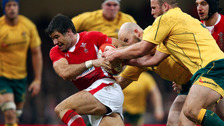 Former Wales scrum-half Mike Phillips signs for Sale Sharks