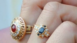 Jewellery stolen from Croft Avenue